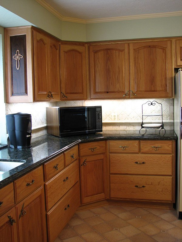 David Giles Red Oak and Walnut Kitchen Cabinets