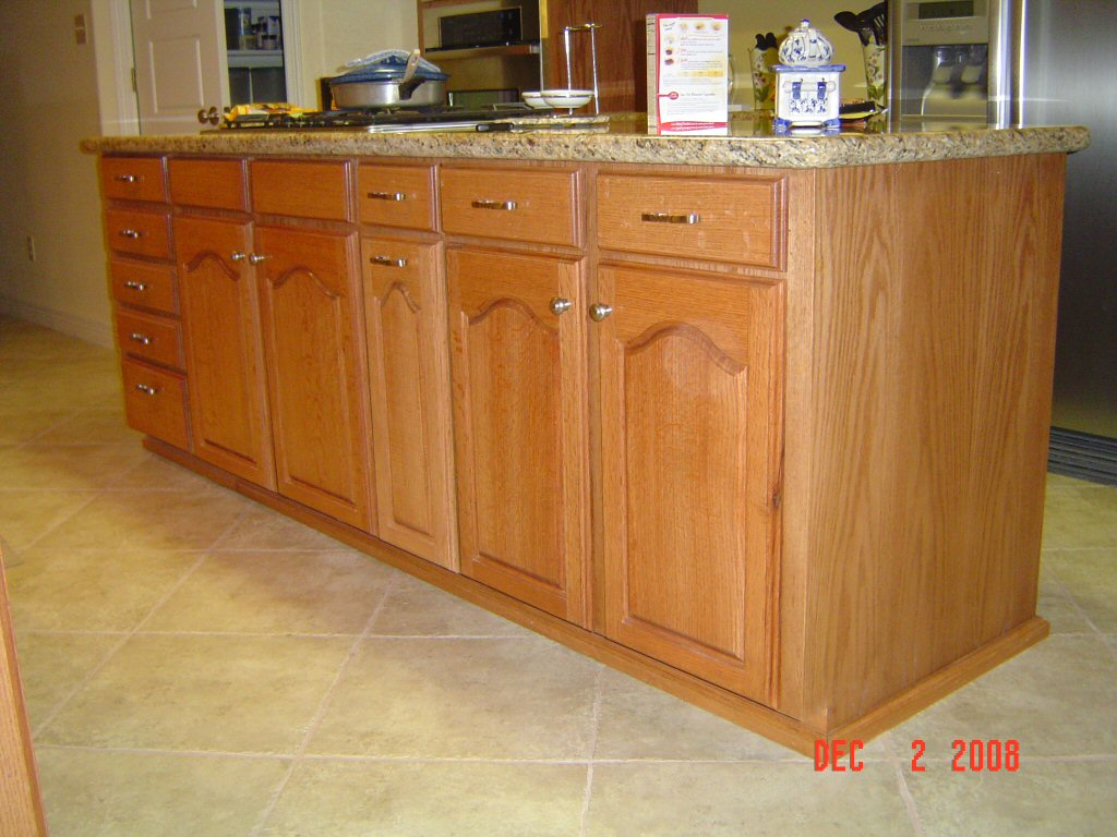 Phil starks red oak kitchen cabinets for Oak kitchen cabinets